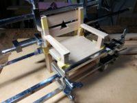 ミニチュア椅子の組立にかかりました